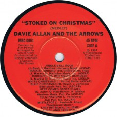 DAVIE ALLAN AND THE ARROWS Stoked On Christmas / Flashback (Macola MRC 0901) USA 1984 autographed 45